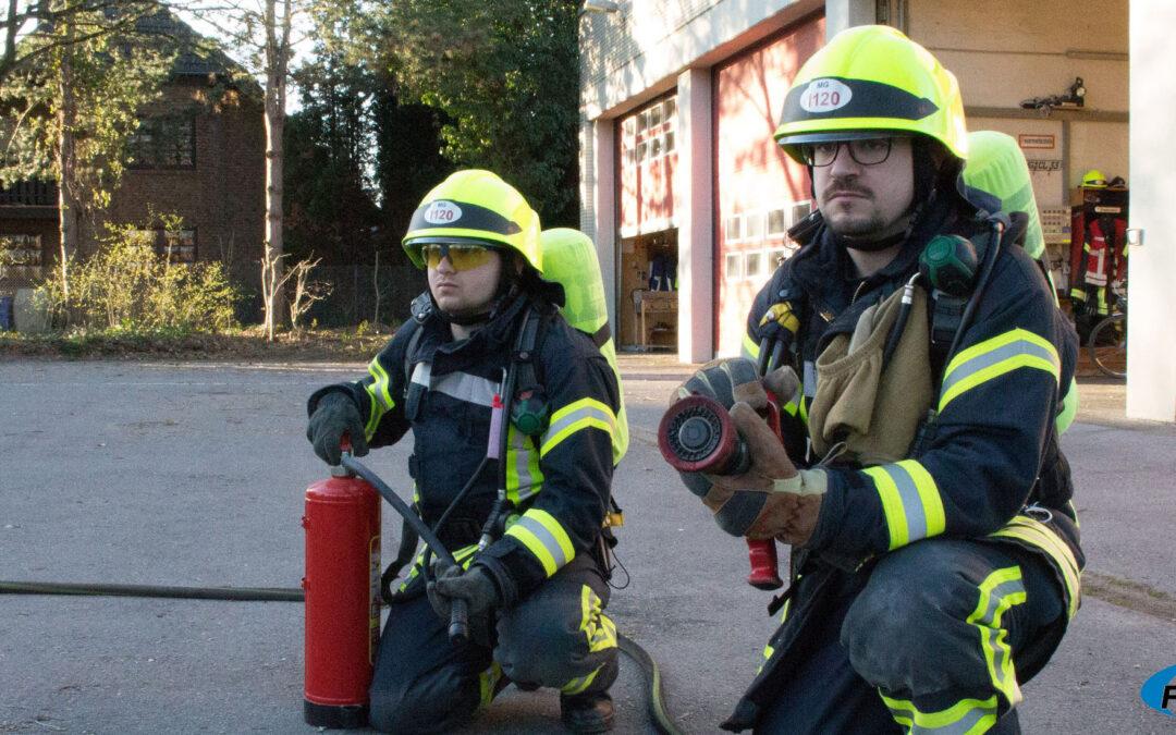 ++++ Einsatz 106 / 2021 – Brand in einem Industriebetrieb, eine Person leicht verletzt ++++